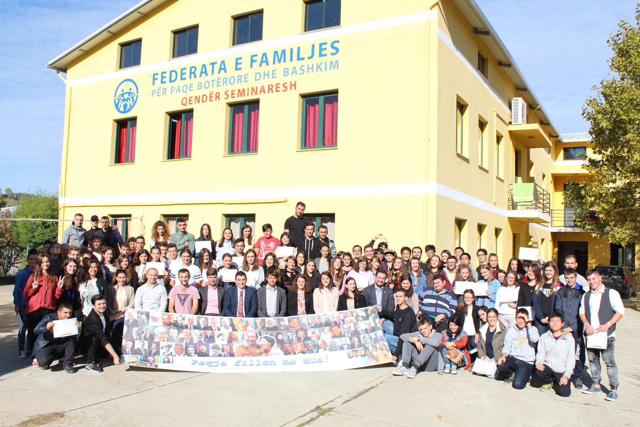 """""""Paqja Fillon me Mua"""" – Seminar Kombëtar i CARP"""